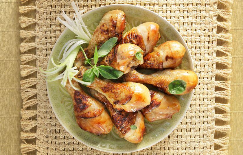 «Κινέζικο» κοτόπουλο στο φούρνο με σόγια και μέλι