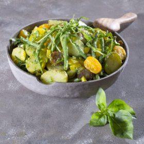 Πατατοσαλάτα με πράσινα φασολάκια, πέστο και πεκορίνο Αμφιλοχίας