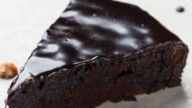 Σοκολατόπιτα  νηστίσιμη