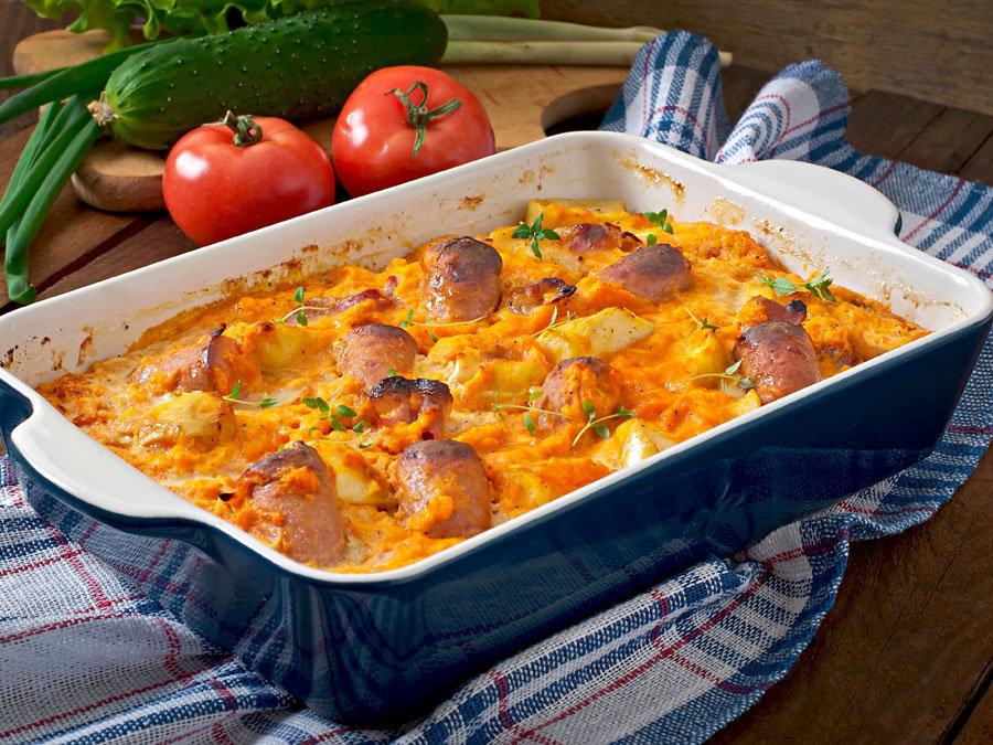 Γιουβέτσι με χωριάτικα λουκάνικα κοτόπουλου, φινόκιο και τυριά