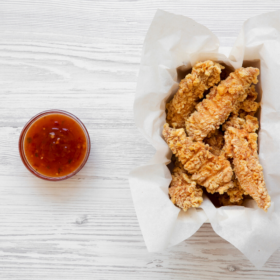 Τραγανά φιλετίνια κοτόπουλο