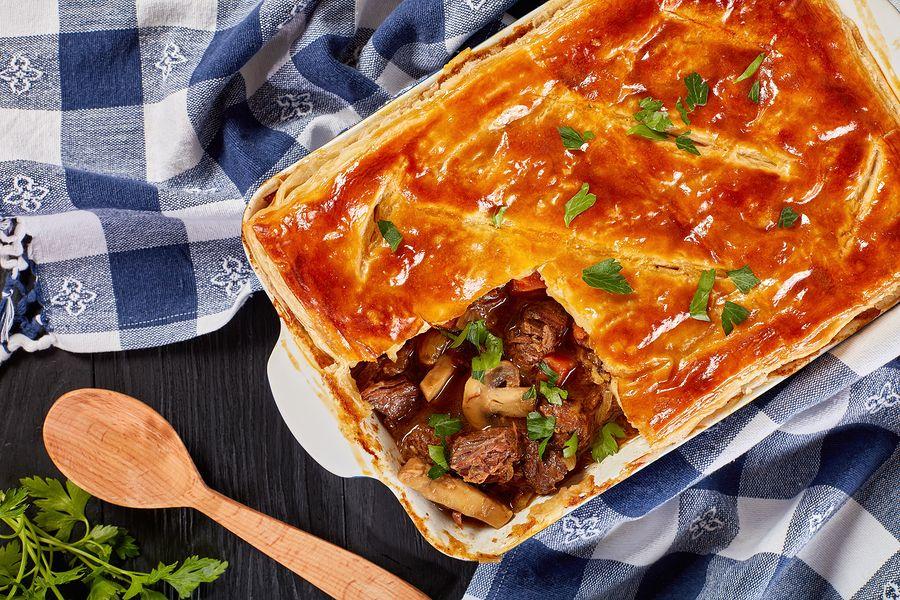 Πίτα με κρέας και μανιτάρια